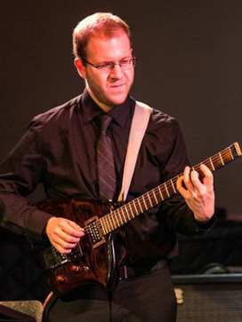 Alex Ispa-Cowan playing his Canton Custom Instrument