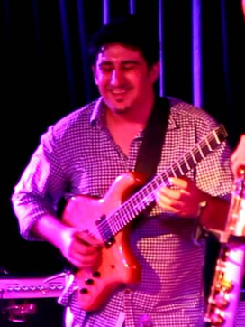 Assaf Levy playing his Canton Custom Instrument